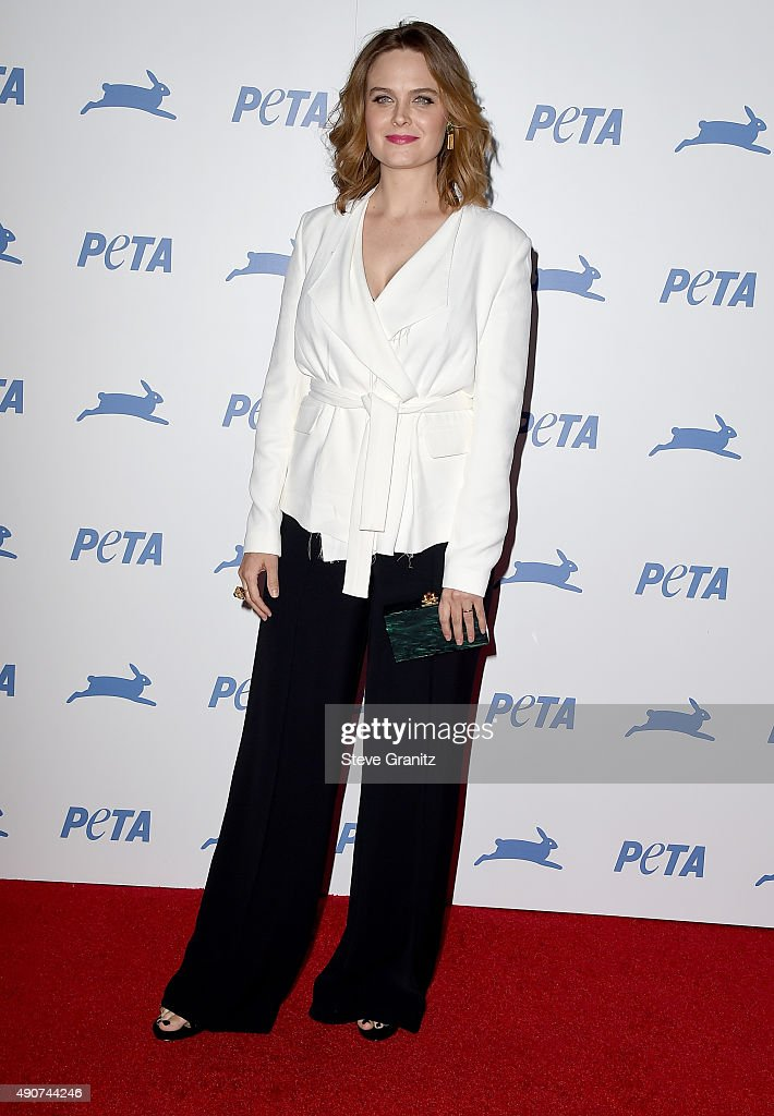 Actress Emily Deschanel attends PETA's 35th Anniversary Party at Hollywood Palladium on September 30, 2015 in Los Angeles, California.