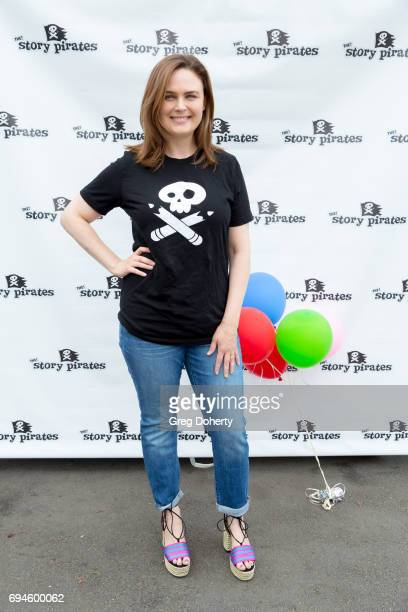 Actress Emily Deschanel attends The Story Pirates Benefit Performance at Crossroads School for Arts Sciences on June 10 2017 in Santa Monica...