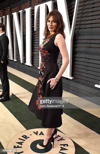 Actress Emily Mortimer attends the 2015 Vanity Fair Oscar Party hosted by Graydon Carter at the Wallis Annenberg Center for the Performing Arts on...