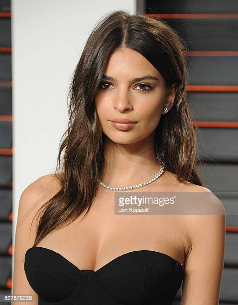 Actress Emily Ratajkowski arrives at the 2016 Vanity Fair Oscar Party Hosted By Graydon Carter at Wallis Annenberg Center for the Performing Arts on...
