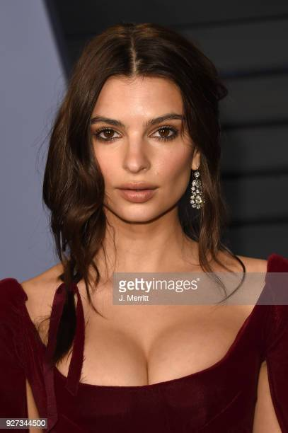 Actress Emily Ratajkowski attends the 2018 Vanity Fair Oscar Party hosted by Radhika Jones at the Wallis Annenberg Center for the Performing Arts on...