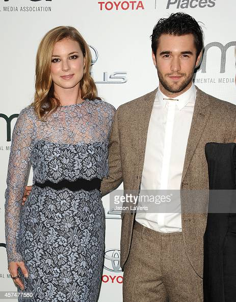 Actress Emily VanCamp and actor Josh Bowman attend the ...  Actress Emily V...