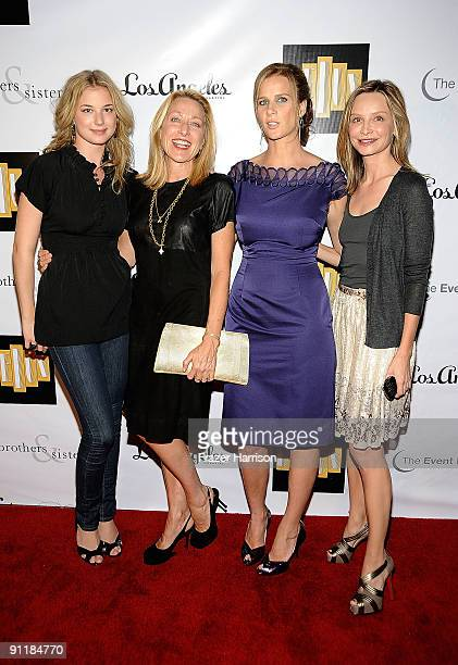 Actress' Emily VanCamp Patricia Wettig Rachel Griffiths and Calista Flockhart pose at the Brothers Sisters Season 4 Premiere Party at Bar Delux on...