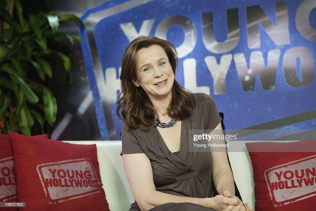 Emily Watson Visits Young Hollywood Studio : News Photo