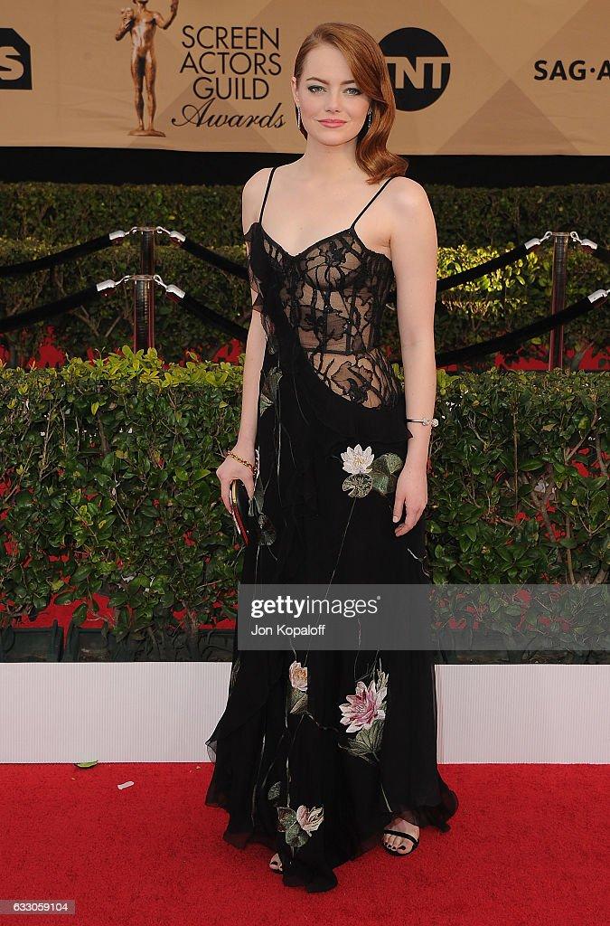 23E Cérémonie Des Screen Actors Guild Awards actress emma stone arrives at the 23rd annual screen actors guild