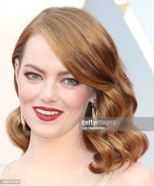 Actress Emma Stone arrives at the 89th Annual Academy Awards at Hollywood Highland Center on February 26 2017 in Hollywood California