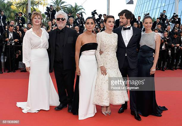 Actress Emma Suarez Director Pedro Almodovar actress Inma Cuesta Adriana Ugarte actor Daniel Grao and actress Michelle Jenner attend the Julieta...