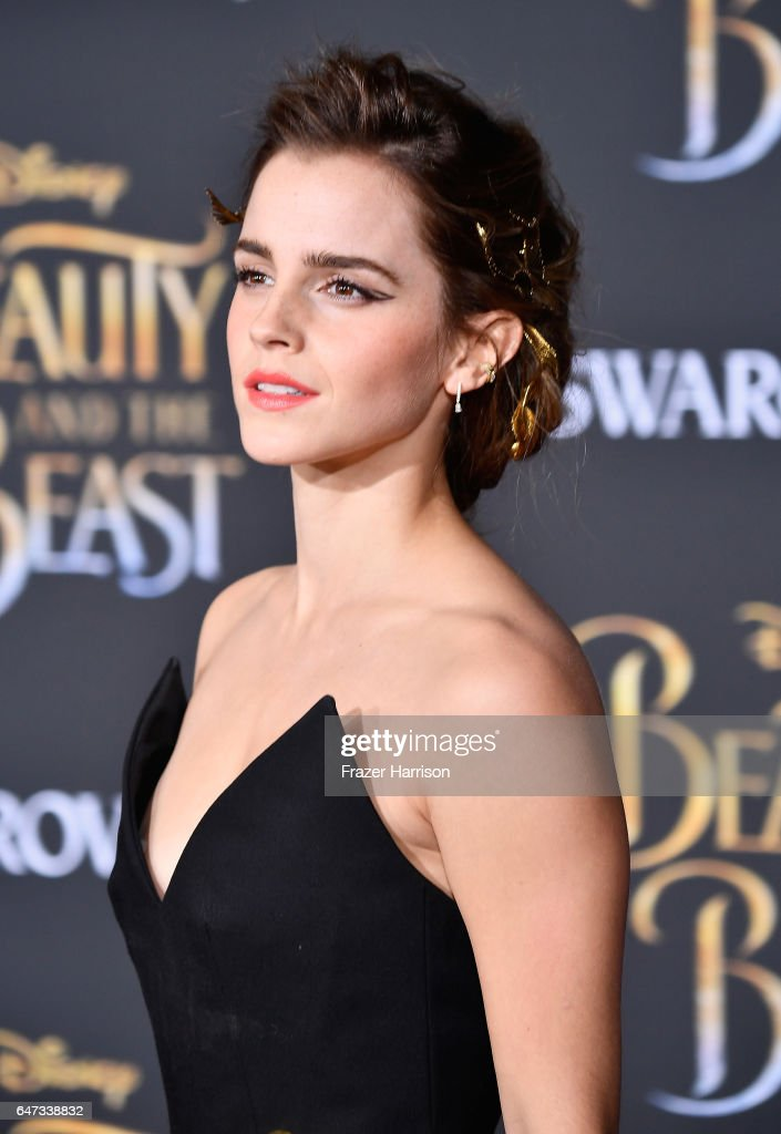 "Premiere Of Disney's ""Beauty And The Beast"" - Arrivals : News Photo"