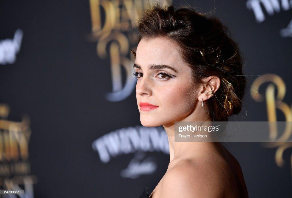 "Premiere Of Disney's ""Beauty And The Beast"" - Arrivals : Nachrichtenfoto"