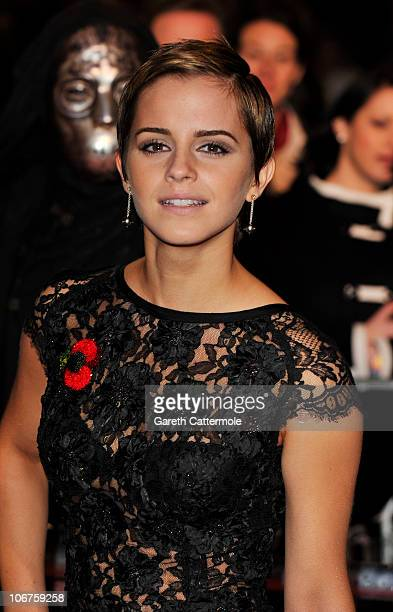 Actress Emma Watson attends the Harry Potter And The Deathly Hallows Part 1 World premiere at the Odeon Leicester Square on November 11 2010 in...