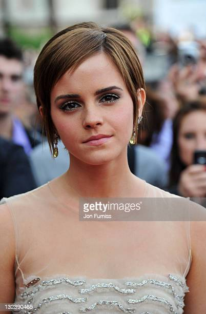 1 388 Emma Watson Short Hair Photos And Premium High Res Pictures Getty Images