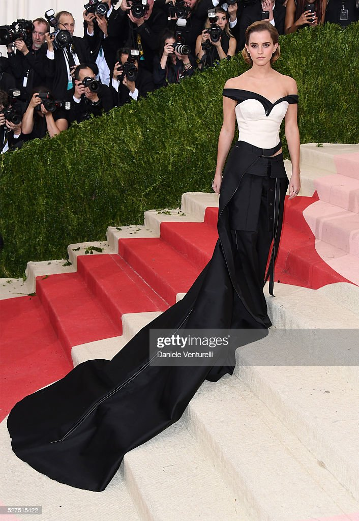 Actress Emma Watson attends the 'Manus x Machina: Fashion In An Age Of Technology' Costume Institute Gala at Metropolitan Museum of Art on May 2, 2016 in New York City.