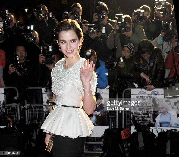 actress emma watson attends the uk premiere of 39 my week with marilyn 39 nachrichtenfoto getty. Black Bedroom Furniture Sets. Home Design Ideas