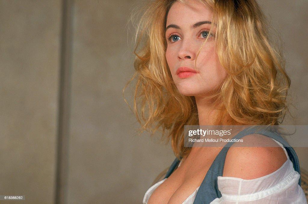 French Actress Emmanuelle Beart : Photo d'actualité