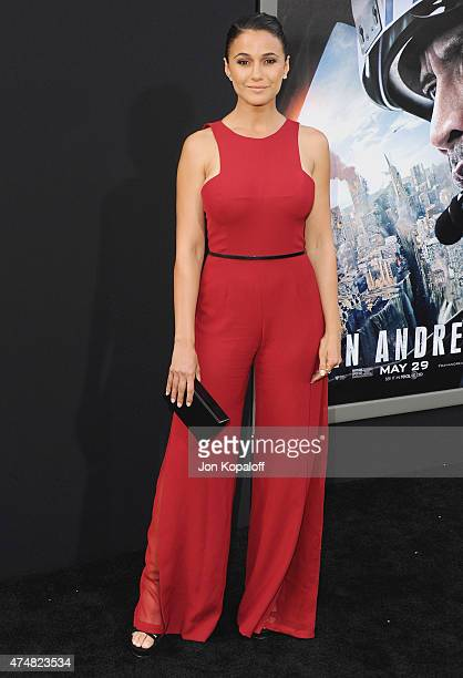 Actress Emmanuelle Chriqui arrives at the Premiere Of Warner Bros Pictures' 'San Andreas' at TCL Chinese Theatre on May 26 2015 in Hollywood...