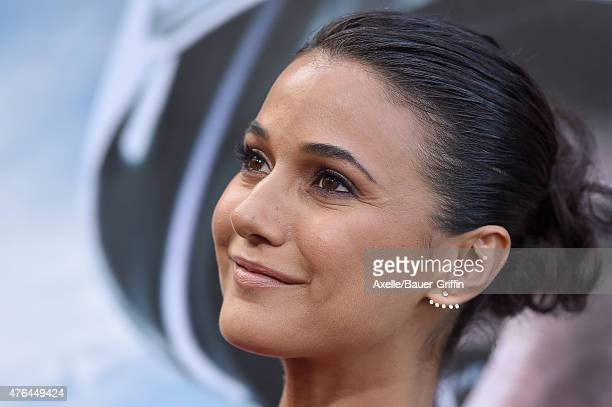 Actress Emmanuelle Chriqui arrives at the Premiere Of Warner Bros. Pictures' 'San Andreas' at TCL Chinese Theatre on May 26, 2015 in Hollywood,...