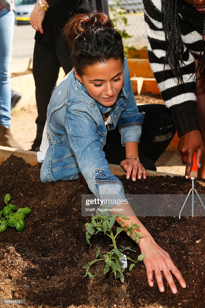 Actress Emmanuelle Chriqui attends the Environmental Media Association's celebration of Earth Day at Cochran Middle School on April 18, 2013 in Los Angeles, California.