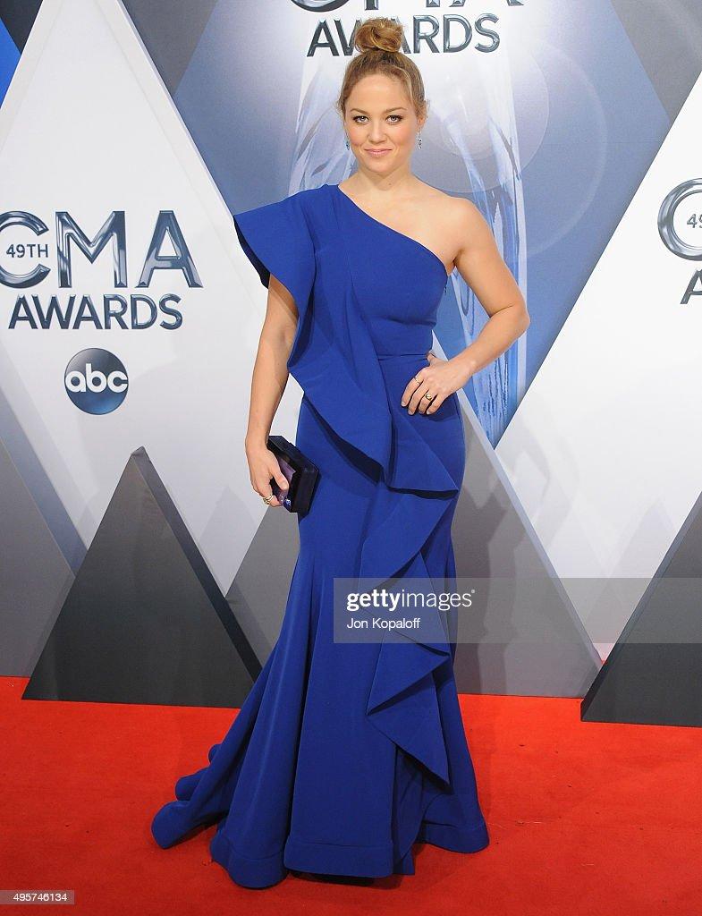 49th Annual CMA Awards - Arrivals : News Photo