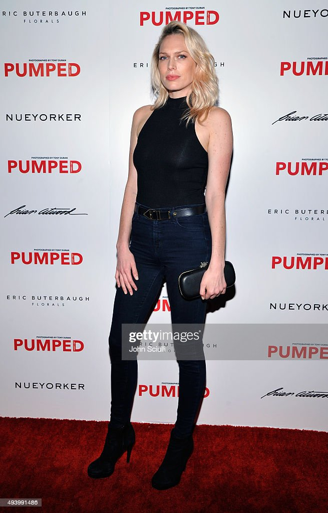Actress Erin Foster attends Brian Atwood's Celebration of PUMPED hosted by Melissa McCarthy and Eric Buterbaugh on October 23, 2015 in Los Angeles, California.