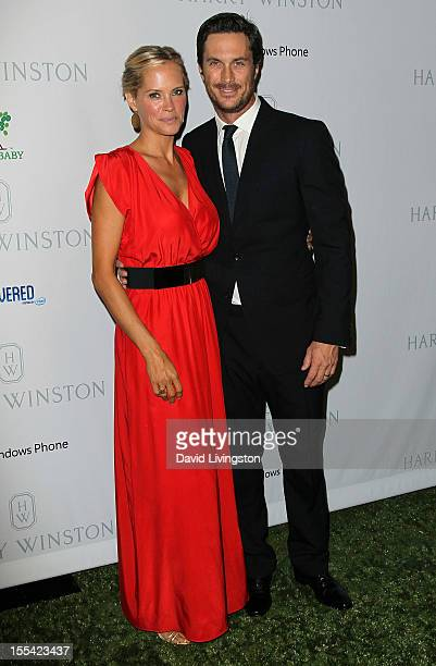 Actress Erinn Bartlett and husband actor Oliver Hudson attend the 1st Annual Baby2Baby Gala at The BookBindery on November 3 2012 in Culver City...