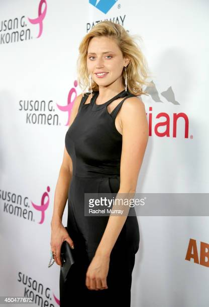 Actress Estella Warren attends PATHWAY TO THE CURE A fundraiser benefiting Susan G Komen presented by Pathway Genomics Relativity Media and evian...