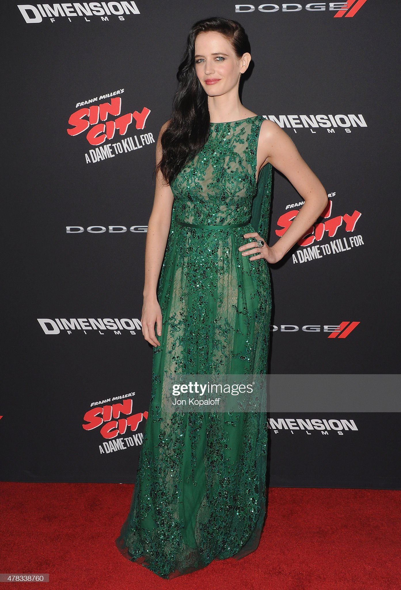 ¿Cuánto mide Eva Green? - Altura - Real height Actress-eva-green-arrives-at-the-los-angeles-premiere-sin-city-a-dame-picture-id478338760?s=2048x2048
