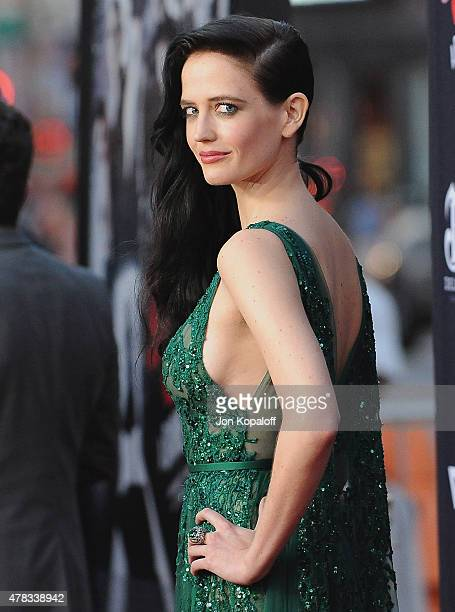 HOLLYWOOD CA Actress Eva Green arrives at the Los Angeles Premiere Sin City A Dame To Kill For at TCL Chinese Theatre on August 19 2014 in Hollywood...