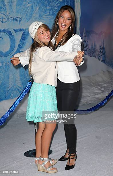 Actress Eva LaRue and daughter Kaya McKenna Callahan attend the premiere of Walt Disney Animation Studios' Frozen at the El Capitan Theatre on...