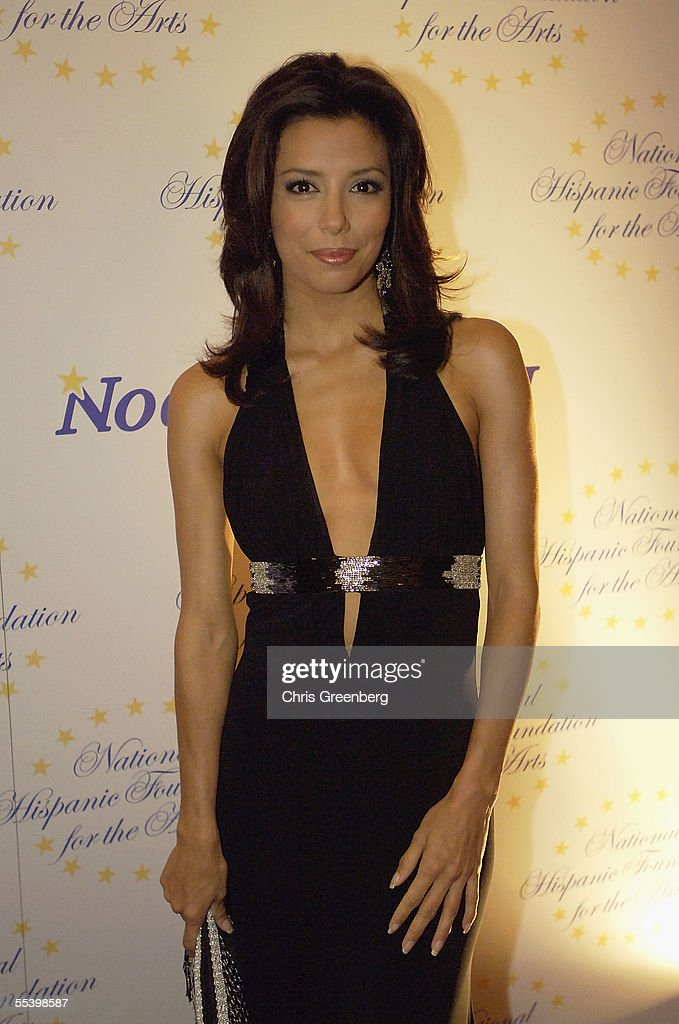 Actress Eva Longoria arrives at the National Hispanic Foundation For The Arts Annual 'Noche de Gala' at the Mayflower Hotel, September 13, 2005 in Washington, DC.