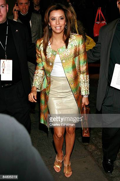 Actress Eva Longoria attends the Matthew Williamson Fall 2009 during MercedesBenz Fashion Week at The Promenade in Bryant Park on February 17 2009 in...