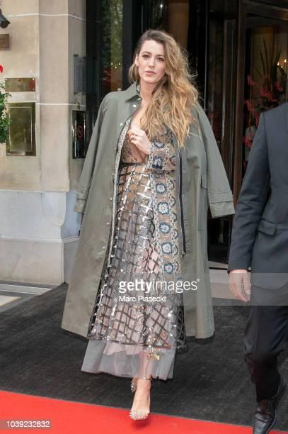 Actress Eva Longoria leaves the L'Avenue restaurant on September 24 2018 in Paris France