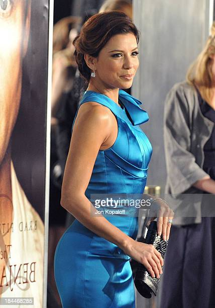 Actress Eva Longoria Parker arrives at the Los Angeles Premiere The Curious Case of Benjamin Buttons at Mann's Village on December 8 2008 in Westwood...