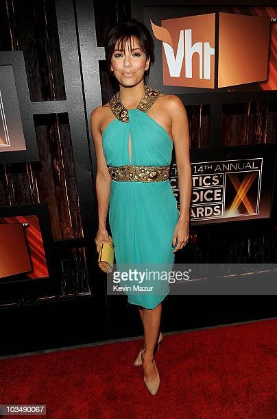 Actress Eva Longoria Parker arrives on the red carpet at VH1's 14th Annual Critics' Choice Awards held at the Santa Monica Civic Auditorium on...