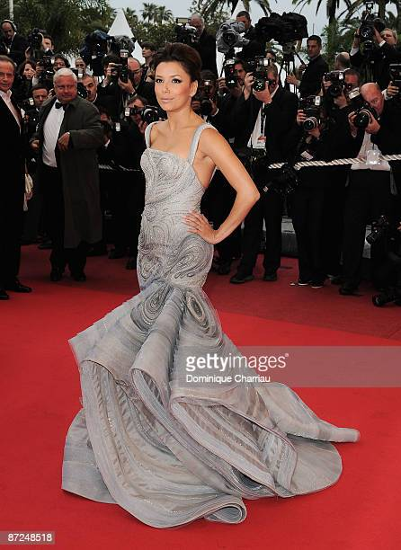 Actress Eva Longoria Parker attends the 'Bright Star' Premiere at the Grand Theatre Lumiere during the 62nd Annual Cannes Film Festival on May 15...