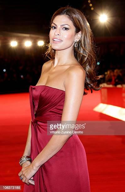 Actress Eva Mendes attends the La dolce vita world restoration premiere during The 5th International Rome Film Festival at Auditorium Parco Della...