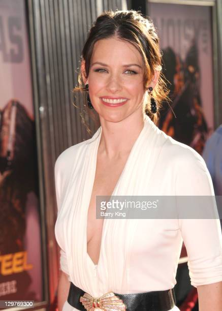 Actress Evangeline Lilly arrives at the Los Angeles Premiere 'Real Steel' at Gibson Amphitheatre on October 2 2011 in Universal City California