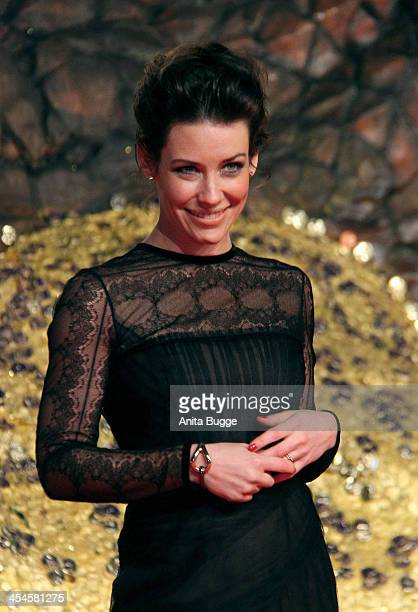 """Actress Evangeline Lilly attends the """"The Hobbit: The Desolation of Smaug"""" European Premiere at Cinestar on December 9, 2013 in Berlin, Germany."""