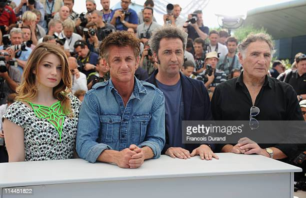 Actress Eve Hewson actor Sean Penn director Paolo Sorrentino and actor Judd Hirsch attend the This Must Be The Place photocall during the 64th Annual...