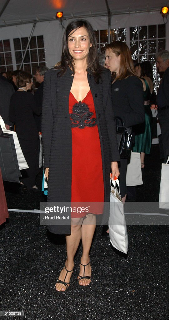 Actress Famke Janssen arrives at the Cooper-Hewitt Museum's Fifth Annual National Design Awards Gala after party on October 19, 2004 in New York City.