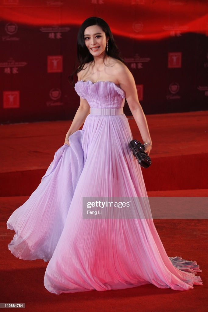 Actress Fan bingbing arrives at the opening ceremony of the 14th Shanghai International Film Festival on June 11, 2011 in Shanghai, China.