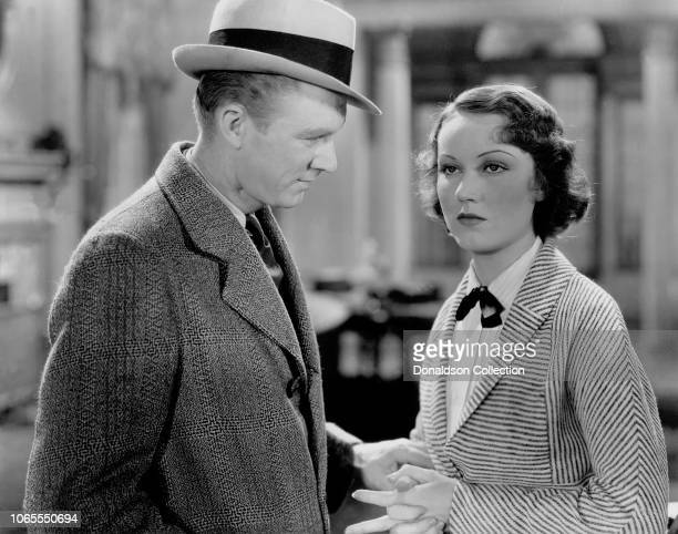Actress Fay Wray and Lee Tracy in a scene from the movie Doctor X