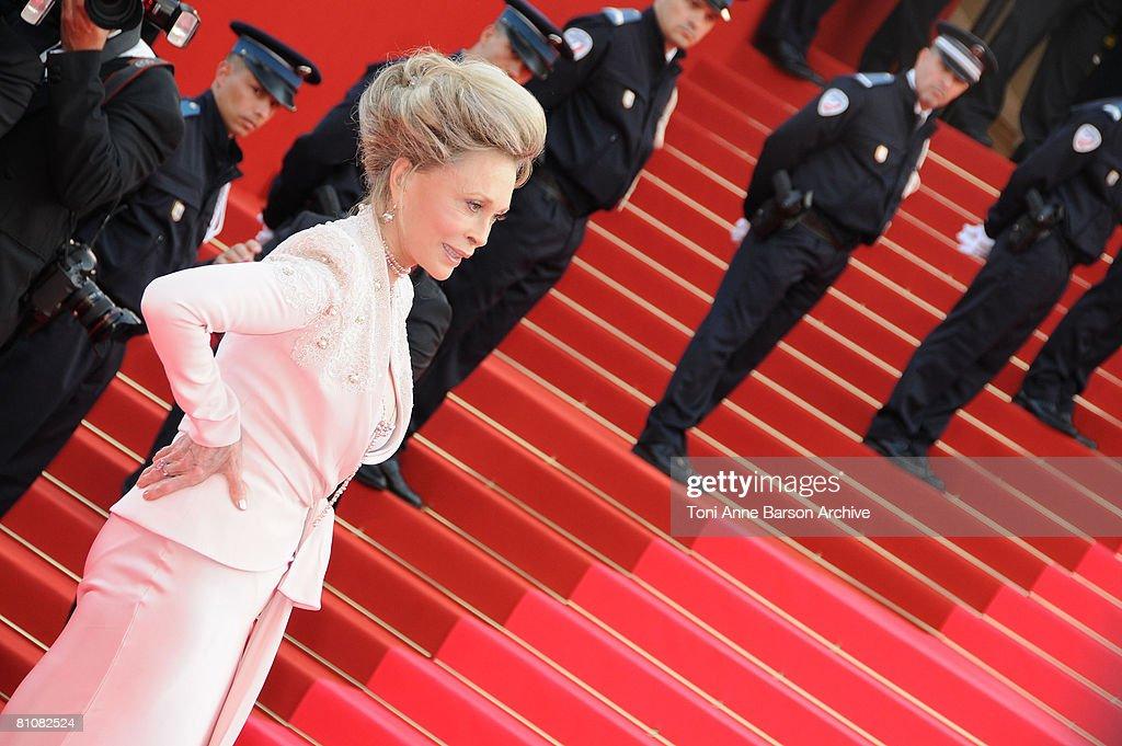 "2008 Cannes Film Festival - ""Blindness"" Premiere : News Photo"