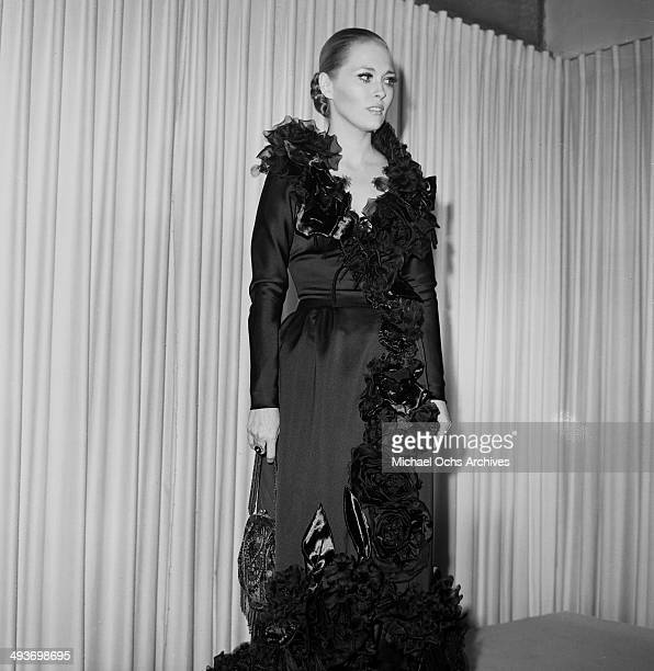 Actress Faye Dunaway arrives to a party in Los Angeles California