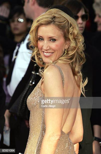 Actress Felicity Huffman arrives to the 62nd Annual Golden Globe Awards at the Beverly Hilton Hotel January 16 2005 in Beverly Hills California