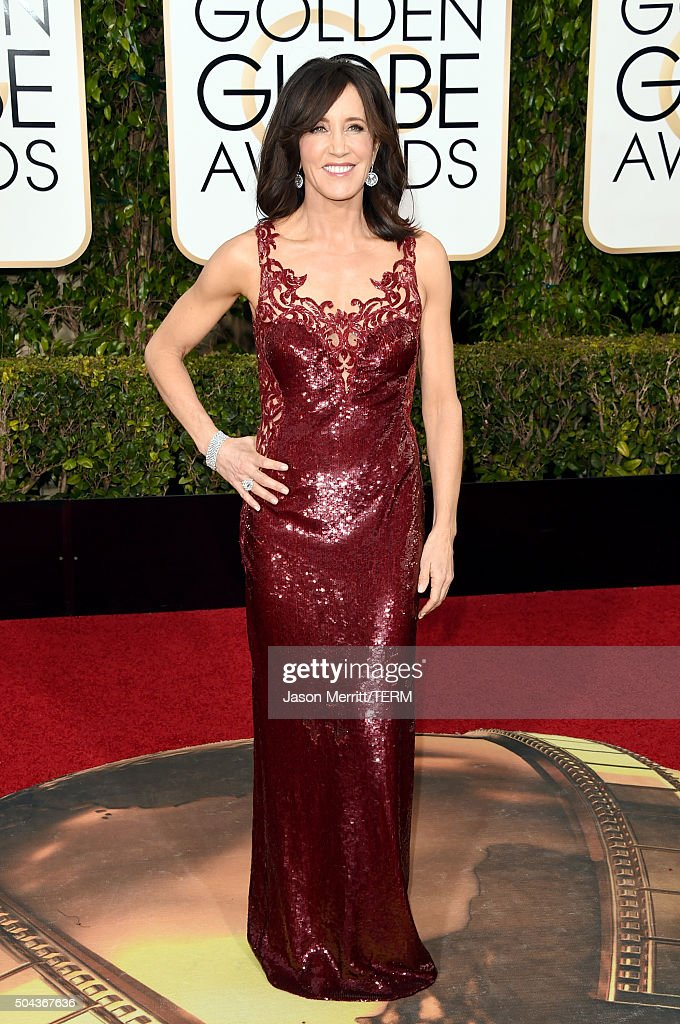 Actress Felicity Huffman attends the 73rd Annual Golden Globe Awards held at the Beverly Hilton Hotel on January 10, 2016 in Beverly Hills, California.