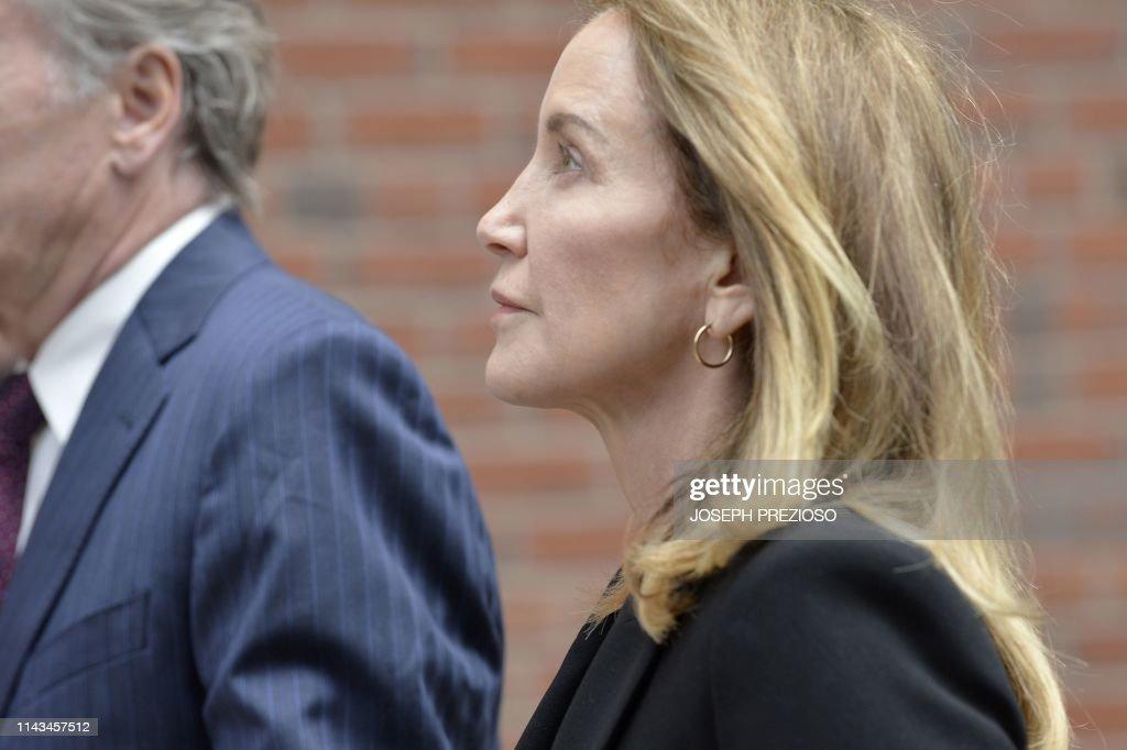 US-corruption-celebrity-television-university-trial : News Photo