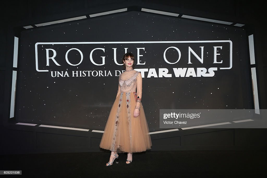 """""""Rogue One: A Star Wars Story"""" Mexico City Fan Event - Black Carpet : News Photo"""