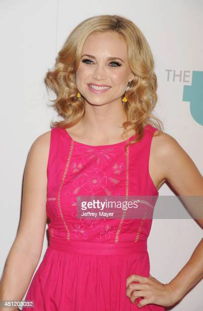 Actress Fiona Gubelmann attends the 5th Annual Thirst Gala hosted by Jennifer Garner in partnership with Skyo and Relativity's 'Earth To Echo' on...