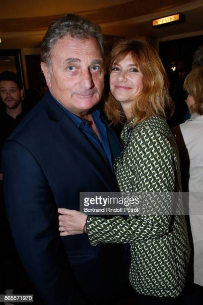 Actress Florence Pernel and her husband Patrick Rothman attend the Ramses II Theater Play at Theatre des Bouffes Parisiens on October 23 2017 in...