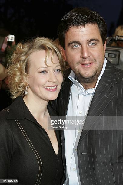 Actress Floriane Daniel and actor Bastian Pastewka arrive for the premiere of the new German film Reine Formsache April 10 2006 at the FilmPalast in...